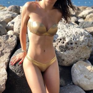 Купальник раздельный бандо золотой уплотнённая чашка на косточках плавки чайка  139-28-1