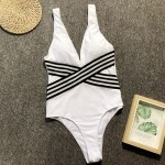 Фото Купальник слитный белый с черно-белоё резинкой 135-73-1
