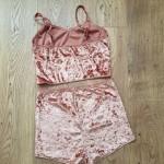 Фото Комплект бархатный розовый маечка+шортики 172-10-2