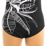 Фото Купальник женский  закрытый черный большие размеры с белыми цветами 700-22