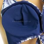 Фото Купальник раздельный синие плавки лиф с бело-синим орнаметом 701-08