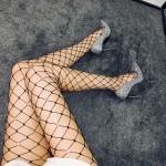 Фото Колготы чёрные крупная сеточка со стразами 315-09