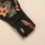 Фото Комлект белья черный с вышивкой 328-13