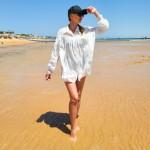 Фото Рубашка пляжная белая лёгкая коттоновая  короткая с декором из гипюра 146-71