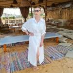 Фото Белая пляжная рубашка длинная коттон с карманами и поясом 146-54